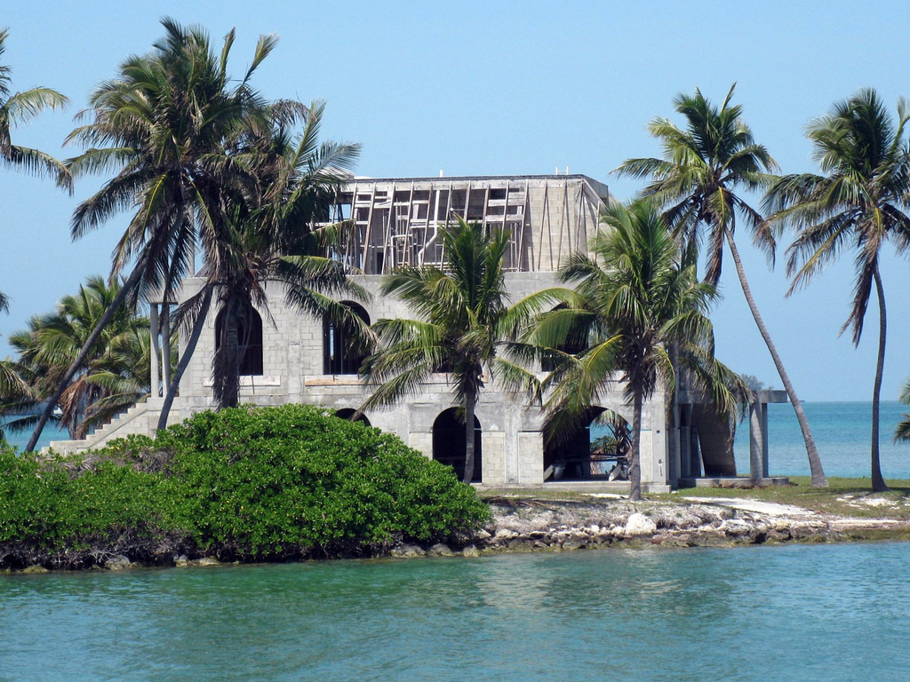 Craig key s abandoned house shoestring weekends blog for Building a home in florida