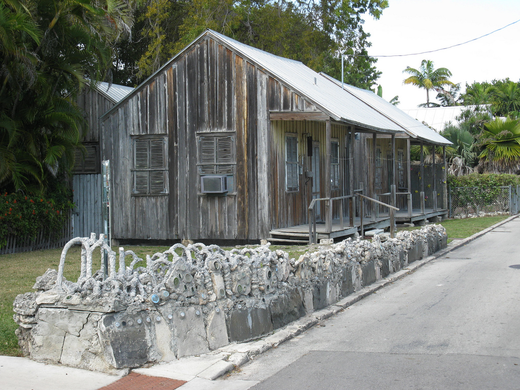 Charmant Key Westu0027s Cemetery Cabins